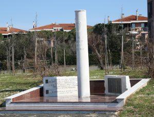 Livorno_monumento_Caduti_della_Maloria_01